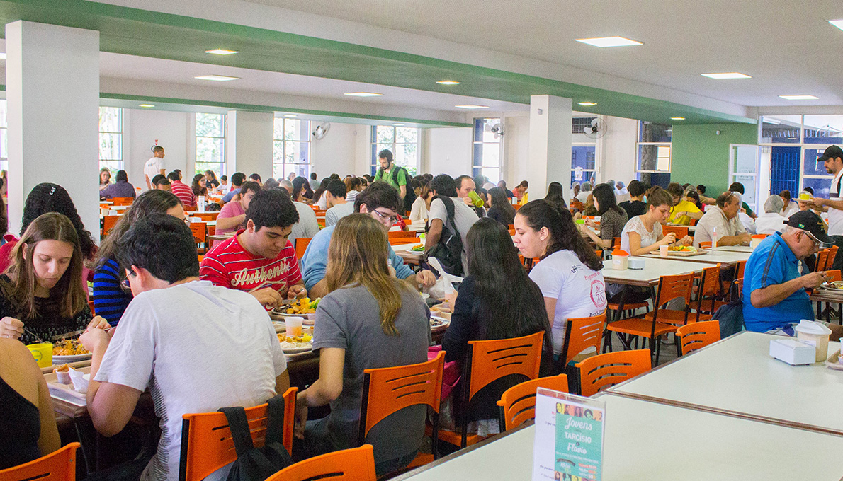 People lunching at the University Restaurant